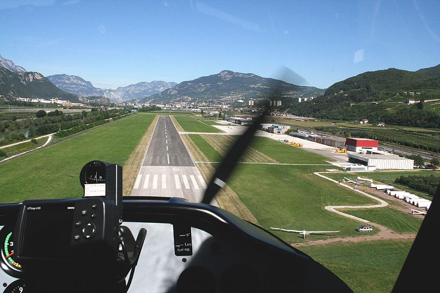 Aeroporto Trento : In finale sull aeroporto di trento